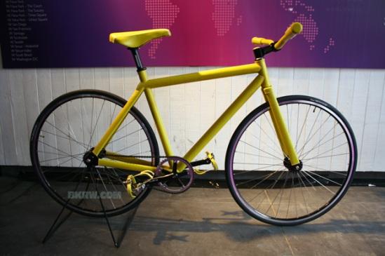 domeau-peres-pharrell-williams-brooklyn-machine-works-bike-1