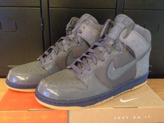 best sneakers 7af3f 4d87b NIKE Dunk High DELUXE Grey Ostrich